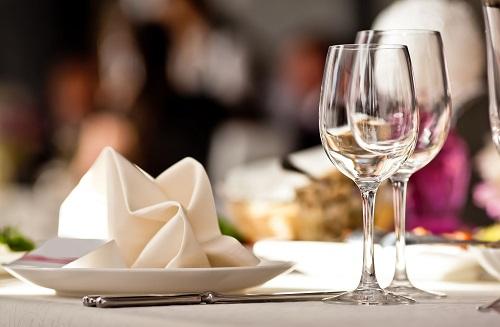 Elegant Restaurant Suburb Web Photo